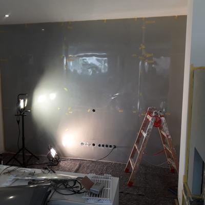 Betontechnik Wohnzimmer-Kopfwand